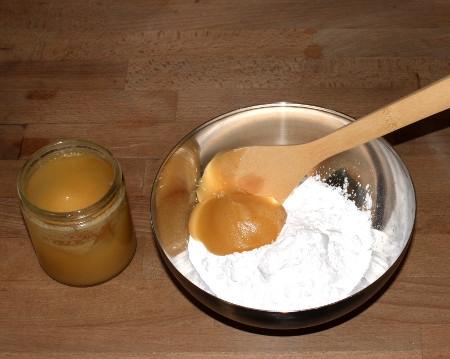 nachschwarm mit puderzucker honig f ttern warr bienenstock bienenhaltung f r alle. Black Bedroom Furniture Sets. Home Design Ideas
